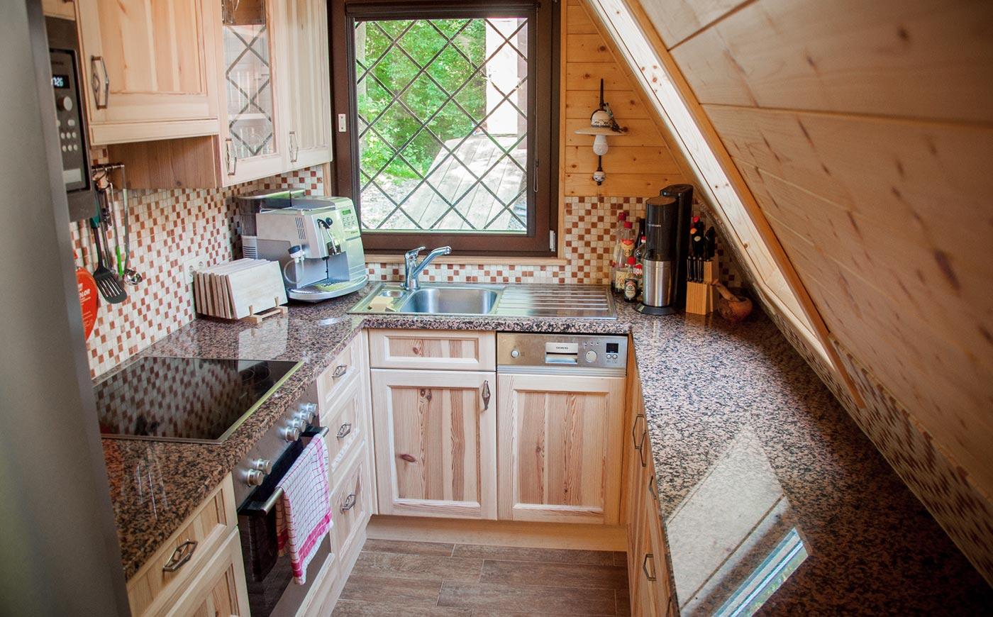 rustikale Küche im Landhausstil vom Tischler